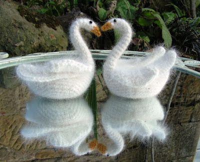 Freubels van Hennie & Semantha: Simpele zwaan gratis patroon