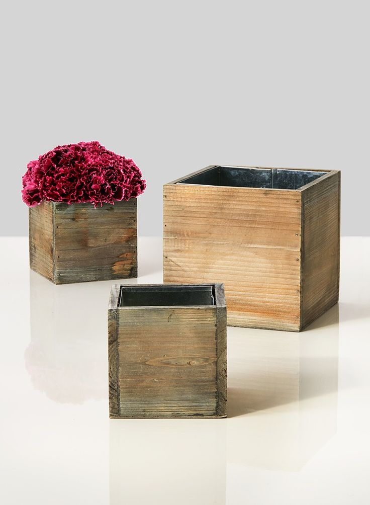 Use these aged wood cube vases to create a floral centerpiece for a rustic or vintage wedding or event centerpiece or for a small houseplant, hyacinths, or paperwhites.