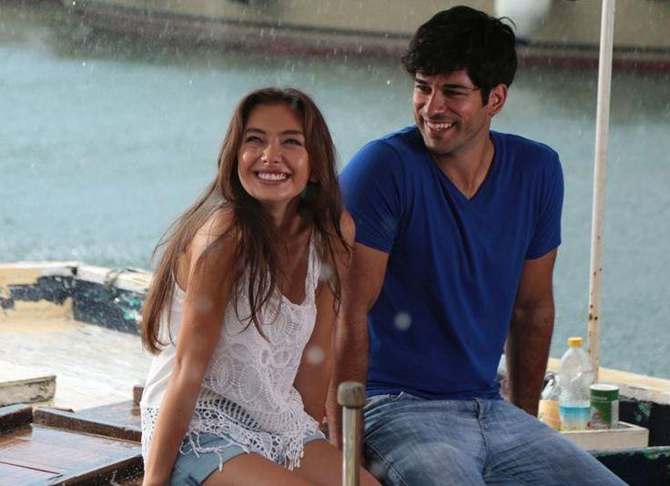 Kemal ve Nihan'ın aşkı bu akşam başlıyor Neslihan Atagül ve Burak Özçivit'in başrollerini paylaştığı Kara Sevda ilk bölümüyle bu akşam Star Tv'de...