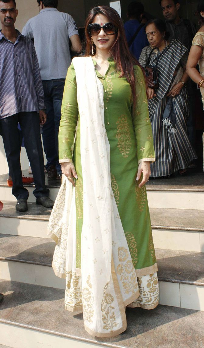 Elegant cream and green outfit