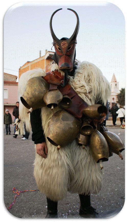 Maschere di Sardegna Ottana Su Boe