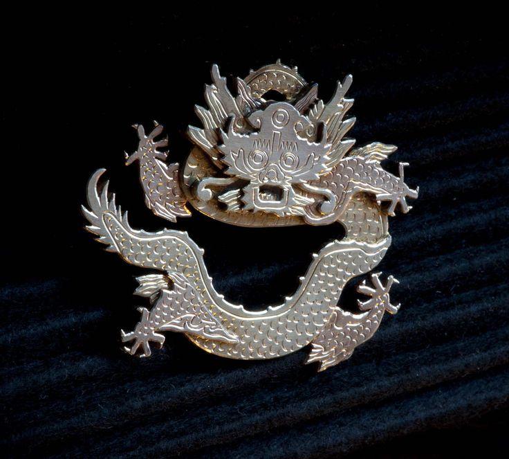 """Brosch """"Kinesisk drake"""" - Knutssons Antik- & Konsthandel"""