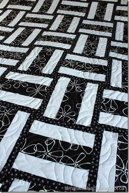 Best 25+ Black and white quilts ideas on Pinterest Black quilt, 9 patch quilt and Disappearing ...