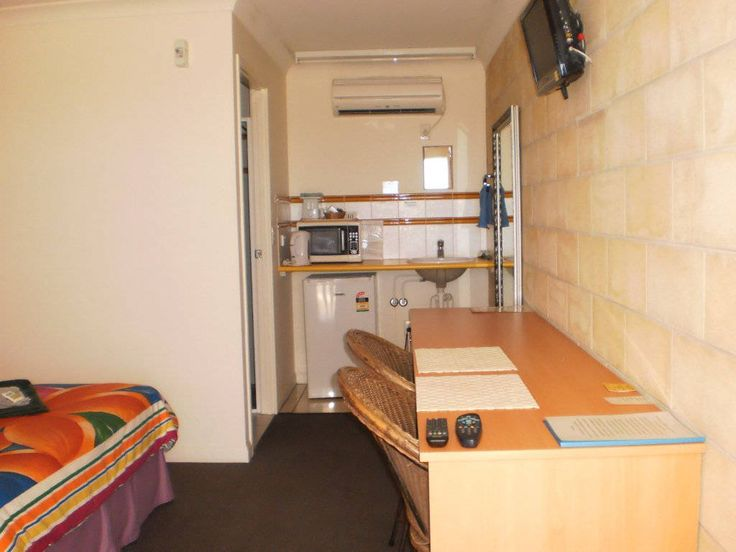 Rockhampton Accommodation is popular not only for their delicious food but also Pet Friendly Hotel in Mackay.