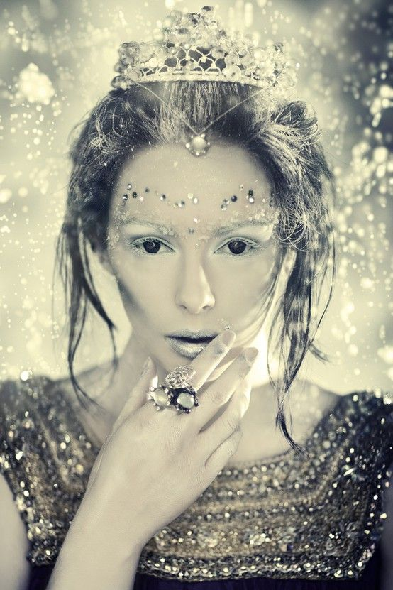 Tilda Swinton by Dave PiperIce Princesses, Tildaswinton, Tilda Swinton, Makeup Ideas, Icequeen, Snowqueen, Fairies Tales, Ice Queens, Snow Queens