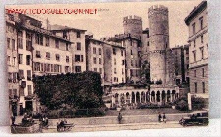 Cristobal colon nacio en genova, Italia en 1451.Murió en Valladolid el 20 de mayo de 1506, sin saber que había iniciado el Descubrimiento de América.