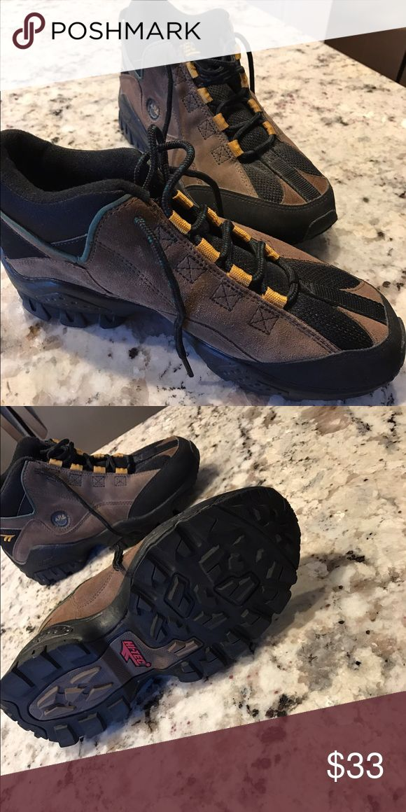 Hi-tec hiking boots Worn once GREAT CONDITION Hi-Tec Shoes Athletic Shoes
