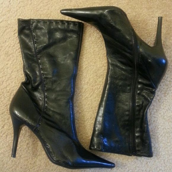 CLEARANCE Jessica Simpson Boots????? Sexy Jessica Simpson shortie boots ( fits half way between ankle and knee). Has inside  zipper and soft man made material. Worn a few times and has some spots that are not easily noticeable. Jessica Simpson Shoes Winter & Rain Boots