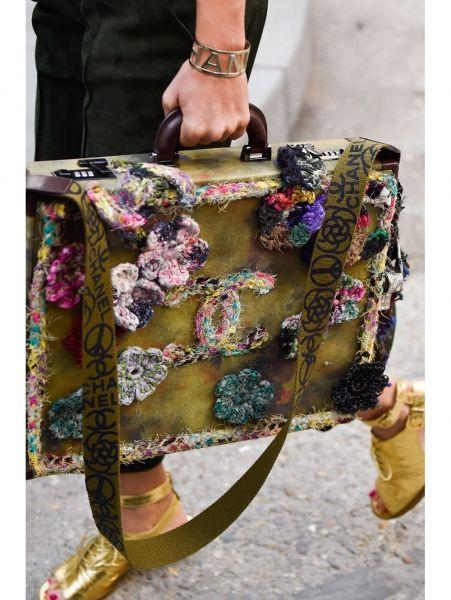 Om van te watertanden: de accessoires van de Chanel-show   ELLE