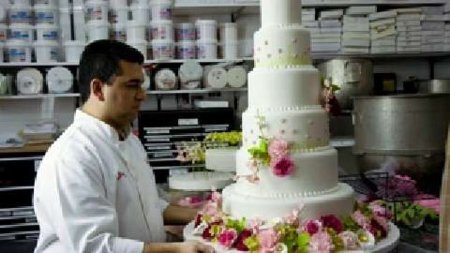 "VIDEO: ""Cake Boss"" Buddy Valastro to Release Cake Line for Grocery Stores - Buddy Valatro, also known as TLC's ""Cake Boss,"" is releasing a line of cakes you can purchase at your local grocery store or bakery. Learn #Cake #Decorating on Cake Decorating #Courses #Online on http://CakeDecoratingCoursesOnline.com now!"