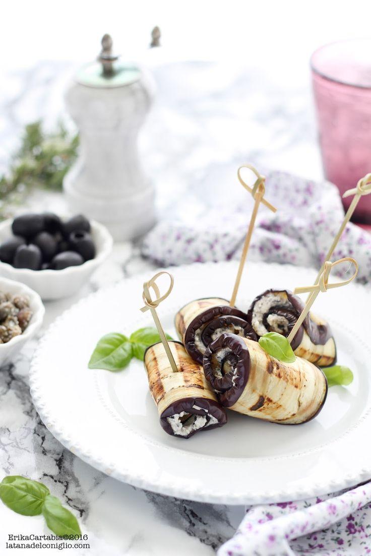 La tana del coniglio: Involtini di melanzane leggeri alle erbe aromatiche, capperi e olive