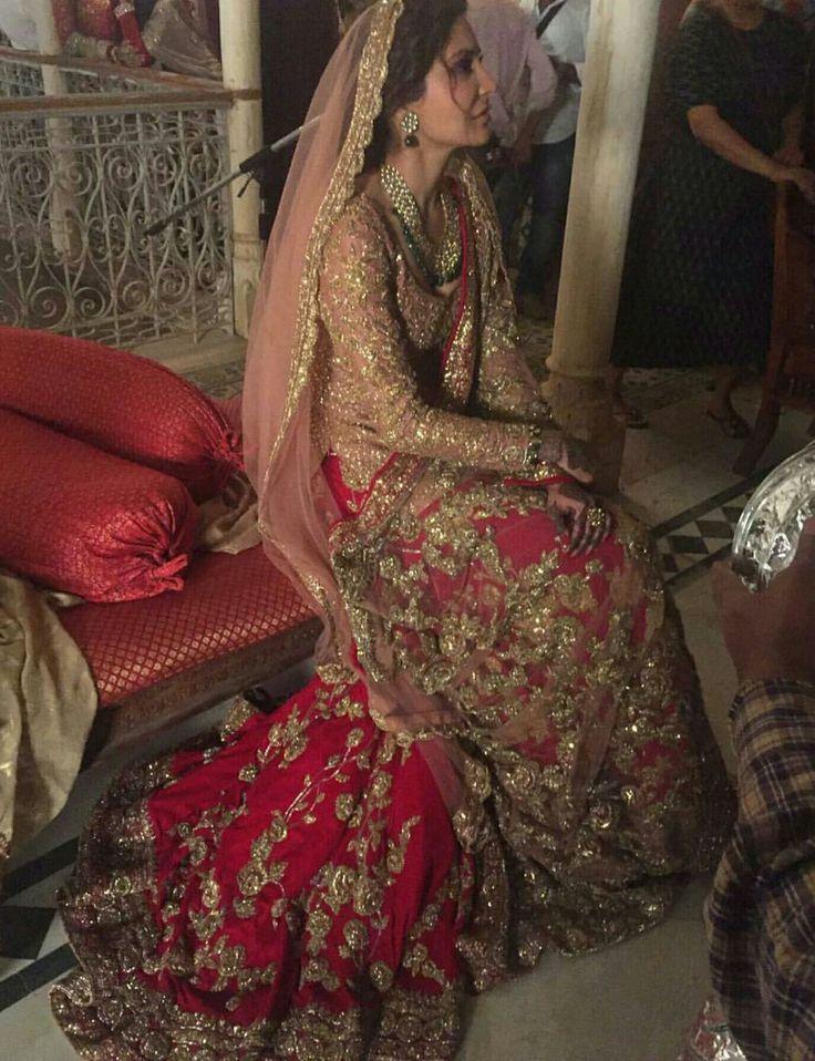 """Anushka Sharma as """"blushing"""" bride in Ae Dil Hai Mushkal"""