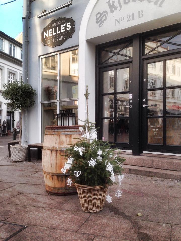Nelle's Coffee & Wine Overgade, https://www.facebook.com/nellesbar/