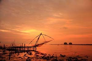 CHARISMATIC KERALA: - Book tour package to Kerala with BigBreaks.com, Enjoy holiday packages to Kerala at best rates and quality services.