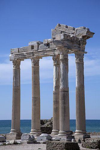 Türkei Urlaub günstig buchen. Sehenswürdigkeit : Apollon Tempel  www.bucher-reisen.de