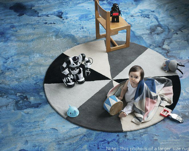 LUCKYBOYSUNDAY- Bobby Rug  Handmade 80% wool 20% cotton  Size: 100 cm diameter