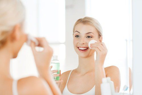 Tonique visage fait maison pour la peau grasse et acnéique