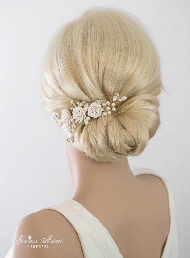 *Kollektion ♥Luxury Wedding♥Ein besonders glitzernder Eyecatcher für jede Brautfrisur:* Dieser Haarschmuck ist die perfekte Alternative zur Tiara, Diadem oder Curlies. **Farbe:**...