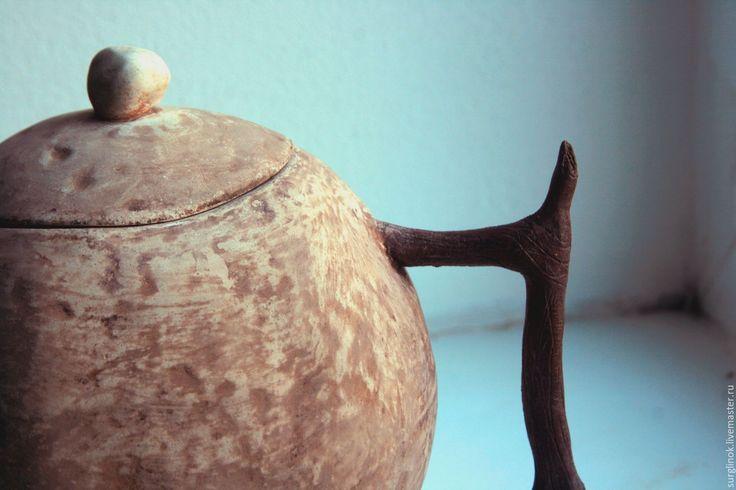 Чайник.  http://www.livemaster.ru/surglinok http://vk.com/surglinok #surglinok #чайник #чайники #длякухни #кухня #молочение #природа #surglinok #керамика  #керамикаручнойработы  #подарок #авторскаяработа #авторскаякерамика #ручнаяработа #посуда  #посуданазаказ  #уют #handmade #уютныйдом #подарокнаденьрождения #глина