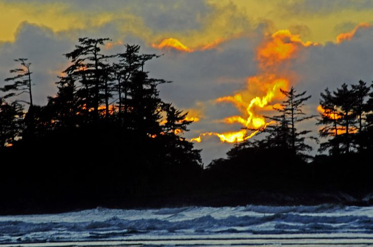 Fire in the sky - Tofino, BC #Tofino #Uclelet