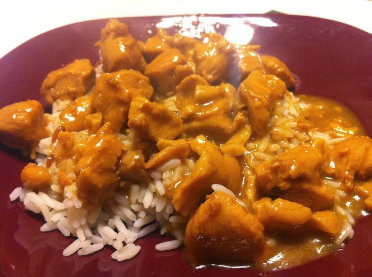 Πεντανόστιμες συνταγές: Κοτόπουλο με κάρυ και κάσιους