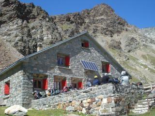 Schonbielhutte... the last stop before Zermatt