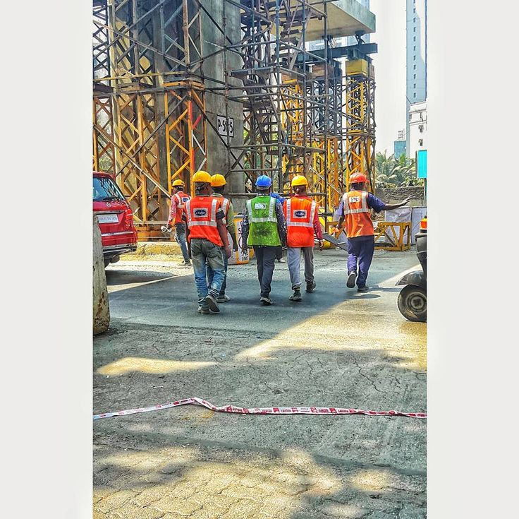 Work In Progress    #workers #workersunite #city #cityscape #ig #travel #citylife #cityscapes #architecture #cityphotography #urban #citylights #streetphotography #architecturephotography #construction #constructionsite #constructionworker #constructionlife #mumbai #metro #team #safetyfirst