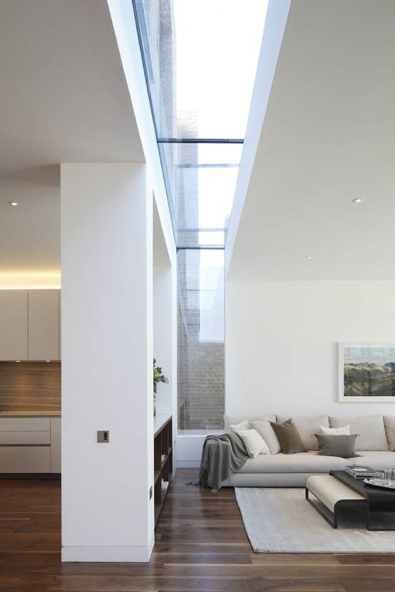 Macauley Road Townhouses, Clapham : Modern living room by Squire and Partners
