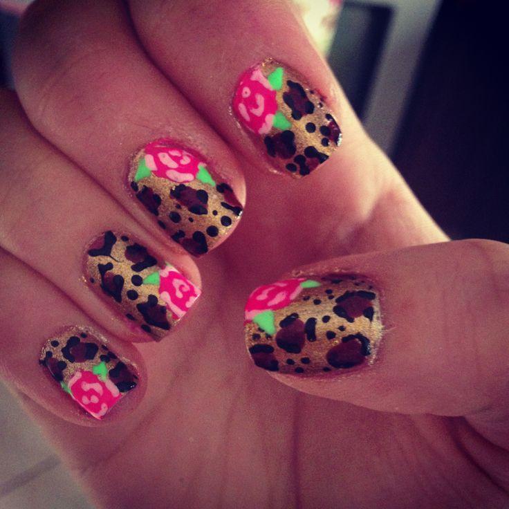 Did cheetah & floral Betsey Johnson inspired nails !