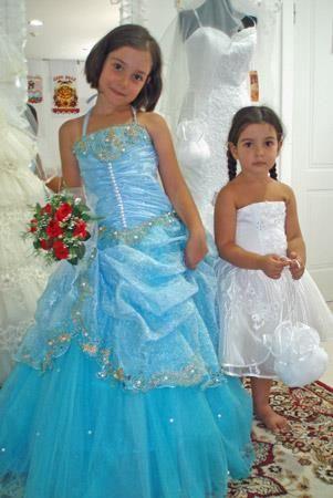 Детские карнавальные костюмы и детские праздничные платья
