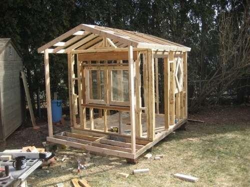 bauen mit Europaletten spielhaus kinder errichten
