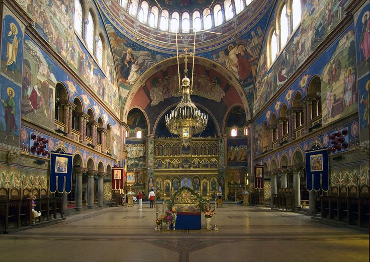 Catedrala_mitropolitana_din_Sibiu_interior.jpg (2404×1702)