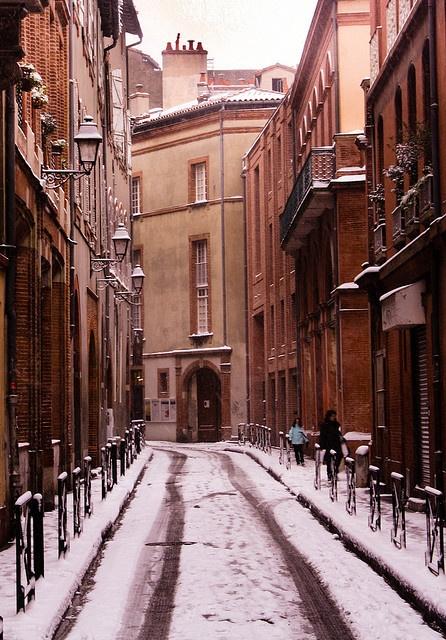 Toulouse sous un peu de neige... (au fond le Goethe Institut)