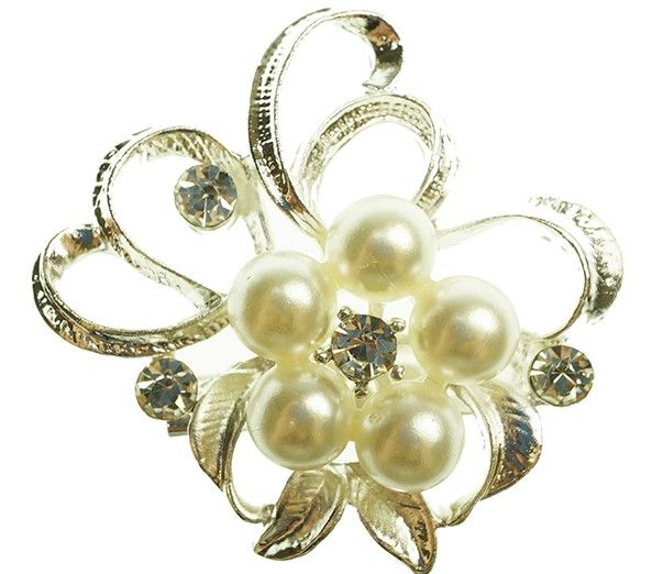 This delightful brooch is a delicate design with decorations.