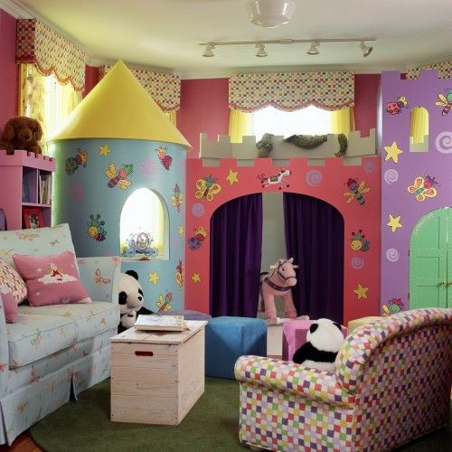 Kinderkamers moeten neutraal gemaakt worden zodat de kijker de ruimte zelf kan invullen: als studeerkamer, slaapkamer, muziekkamer, etc.