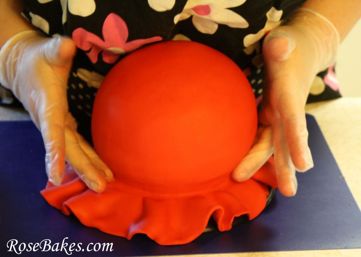 How to cover a ball cake (sphere) with fondant {picture tutorial}