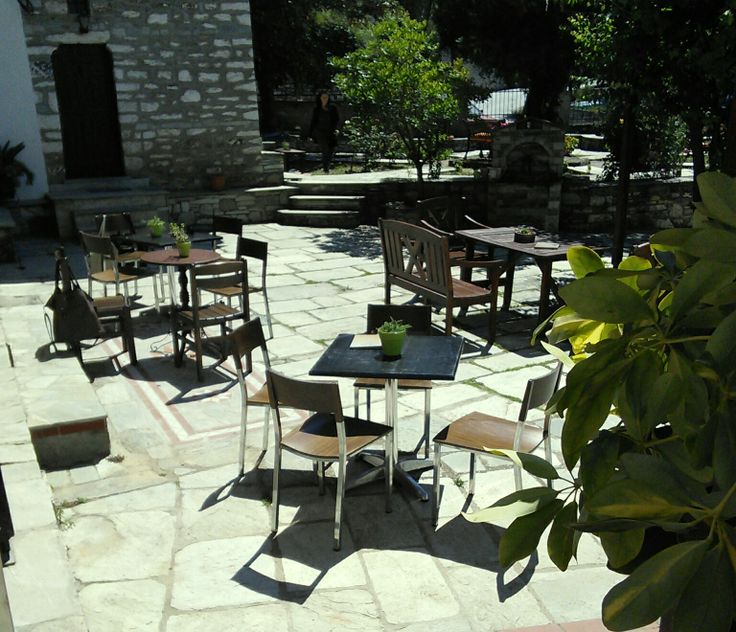 Garden Coffee - bar http://hotel-ageri.gr/Index.asp?Code=000027.Garden_Coffee_-_bar.html