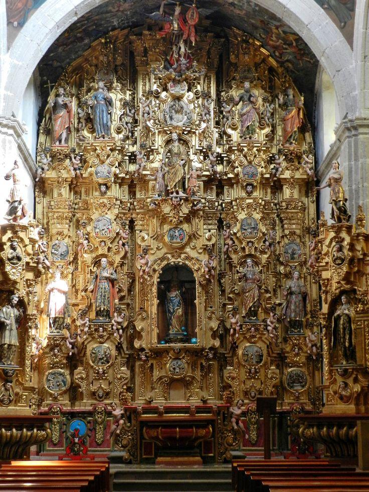 Altarpiece of the Capilla del Rosario, Templo de San Felipe y Santiago, Azcapotzalco, Mexico