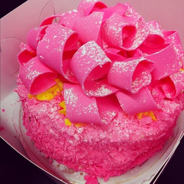 Madonna Inn Pink Champagne Cake