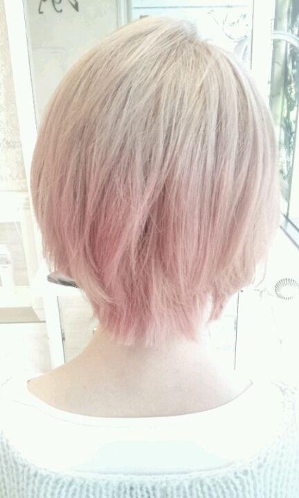 ピンクベージュ ヘアカラー ホワイトピンクベージュ ヘアカラー 薄ピンク 髪色 キャンディピンク 外国人風 ヘアカラー オシャレブログ 美容室のブログ