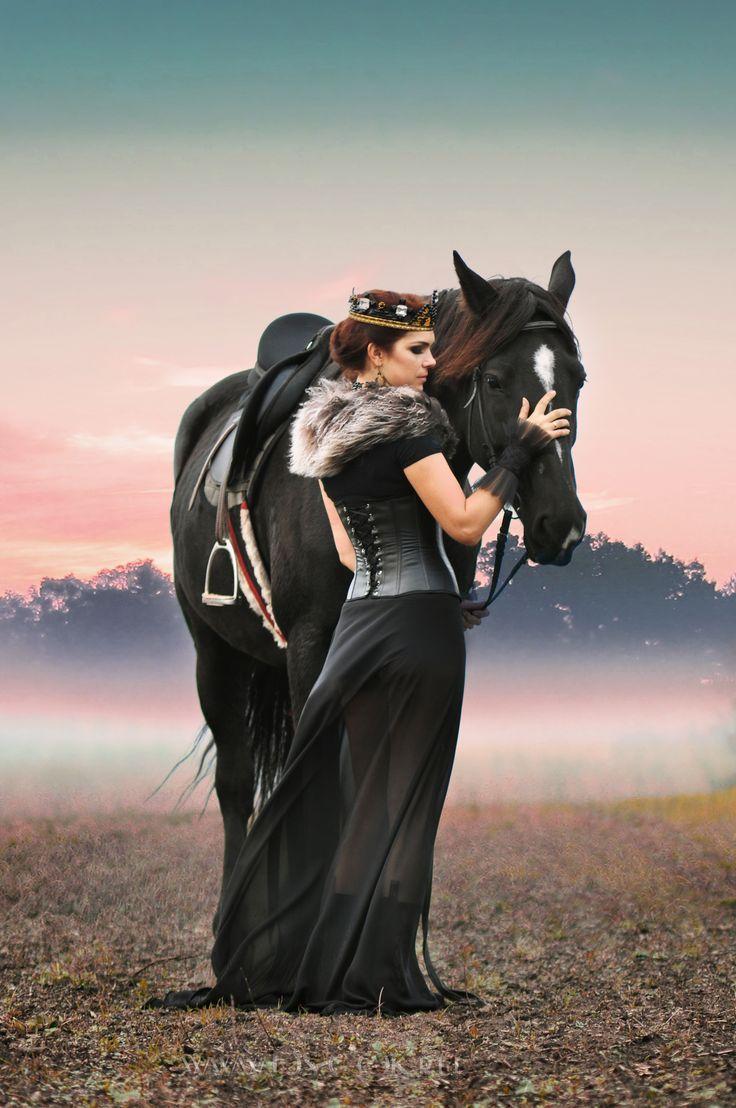 darkness  royalty  dark queen  fantasy  inspiration  horses  queen ... 4fff65c410