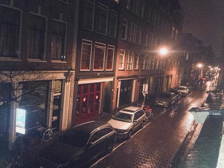 Snowing in Amsterdam   #Instamooiness #Mooiness