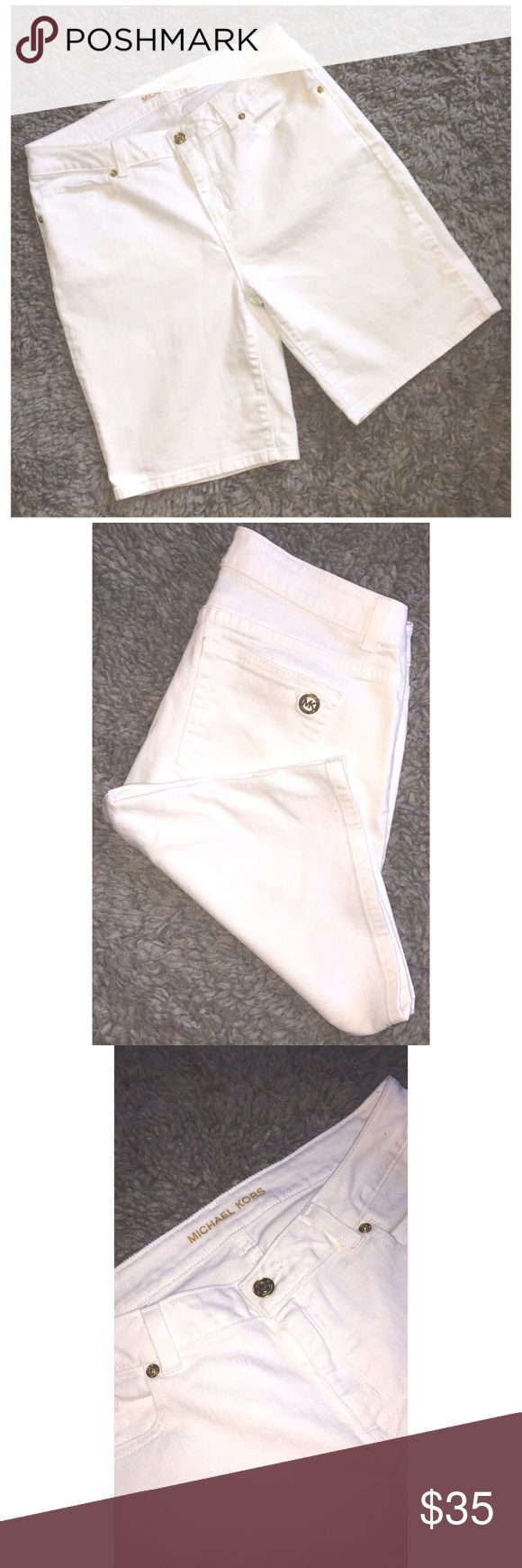 Michael Kors 🏖 Bermuda Shorts Michael Kors Bermuda Shorts - Excellent Condition - Gold Detail Michael Kors Shorts Bermudas