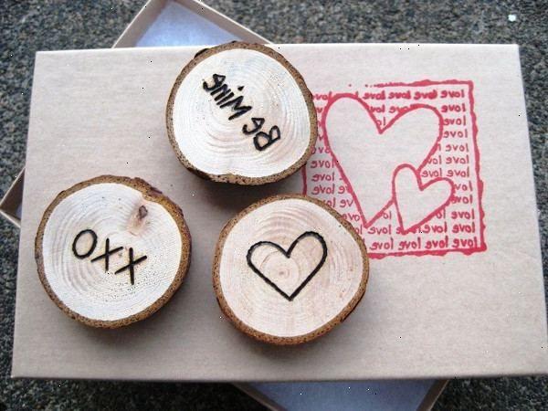 Hoe wordt hout magneten maken. Voeg andere versieringen.