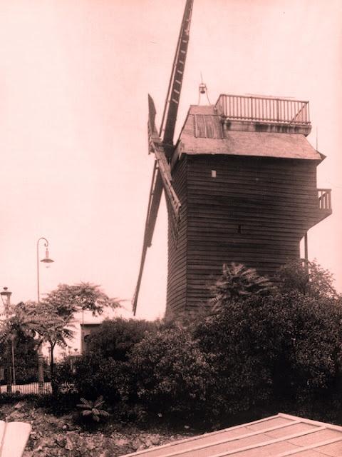 Le moulin de la galette vers 1924 montmartre autrefois for Moulin de la housse