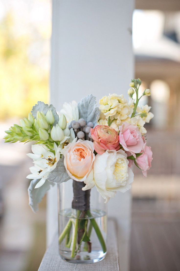 Love that Dusty Miller in bouquets...