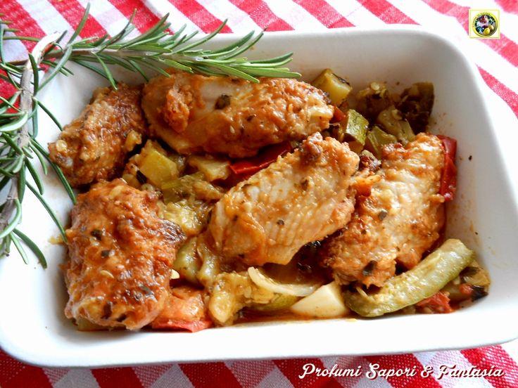 Pollo in umido alla contadina, un'ottimo secondo piatto economico e gustoso. Le verdure si amalgamano al pollo creando un buon sughetto per la scarpetta.