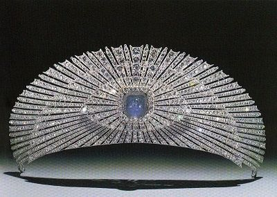 Tiara of Princess Zenaida Niklaievna Yusupova (1861-1939), made by Cartier in 1927 - platinum and diamond sunburst. The center once held a jonquil colored diamond, but was later replaced with a blue star sapphire.