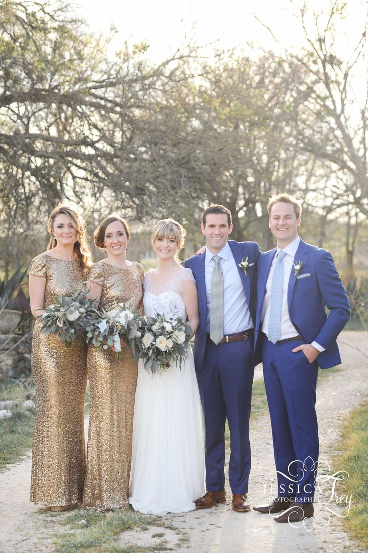 Love these gold dresses, but also refreshing to see someone with a small bridal party as opposed to like 8 bridesmaids.