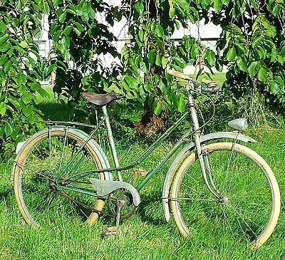 Ancien vélo CAPTIVANTE, Old bike, vintage
